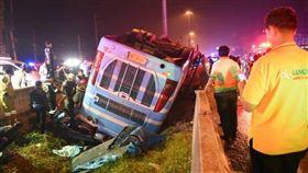 雙層巴士,泰國,車禍,急煞,翻覆/เปิดปม臉書