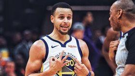 NBA/雙重後撤步違例 柯瑞諷裁判 NBA,James Harden,雙重後撤步,走步,Stephen Curry 翻攝自推特