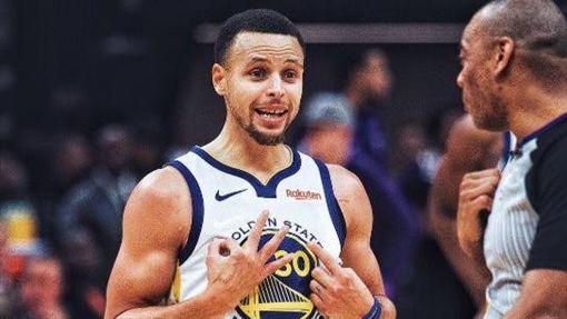 NBA/雙重後撤步違例 柯瑞諷裁判NBA,James Harden,雙重後撤步,走步,Stephen Curry翻攝自推特