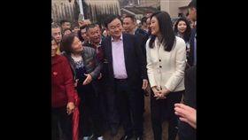 泰國前總理戴克辛和盈拉兄妹,5日現身廣東梅州。(圖取自香港01網頁www.hk01.com)