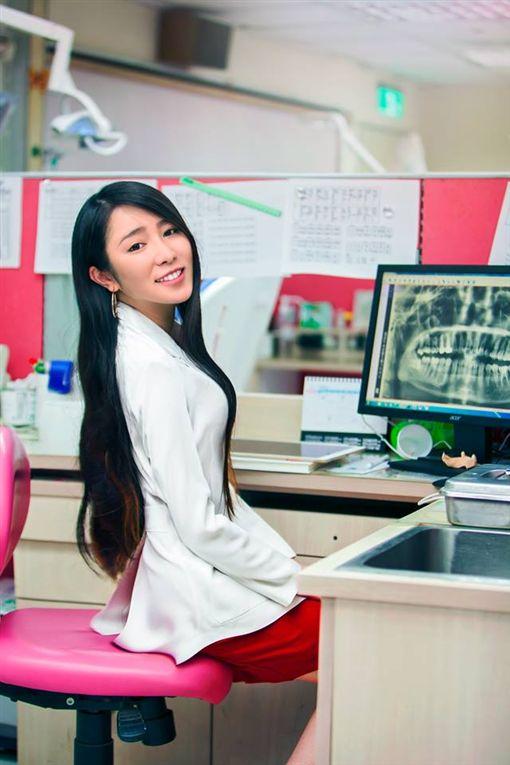 新北,劉芷伊,麗星牙醫診所,牙醫,正妹。翻攝自IG:chavelle_liu ID-1723227