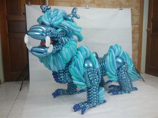 「半身藍麒麟」氣球打造!國三生將為國爭光 5萬人讚爆圖翻攝自洪呆呆氣球工坊臉書