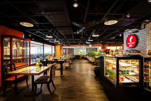 王朝大飯店 SUNNY BUFFET推出壽星兩人同行本人免費吃好康。(圖/酒店提供)