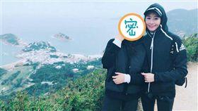 張鈞甯與母親同遊香港(圖/翻攝自張鈞甯微博)