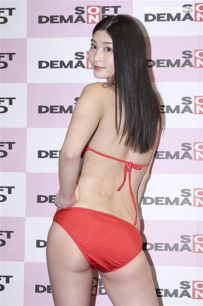 日本SOD人氣AV女優本庄鈴現身台北宣傳新片發布會。(記者林士傑/攝影)