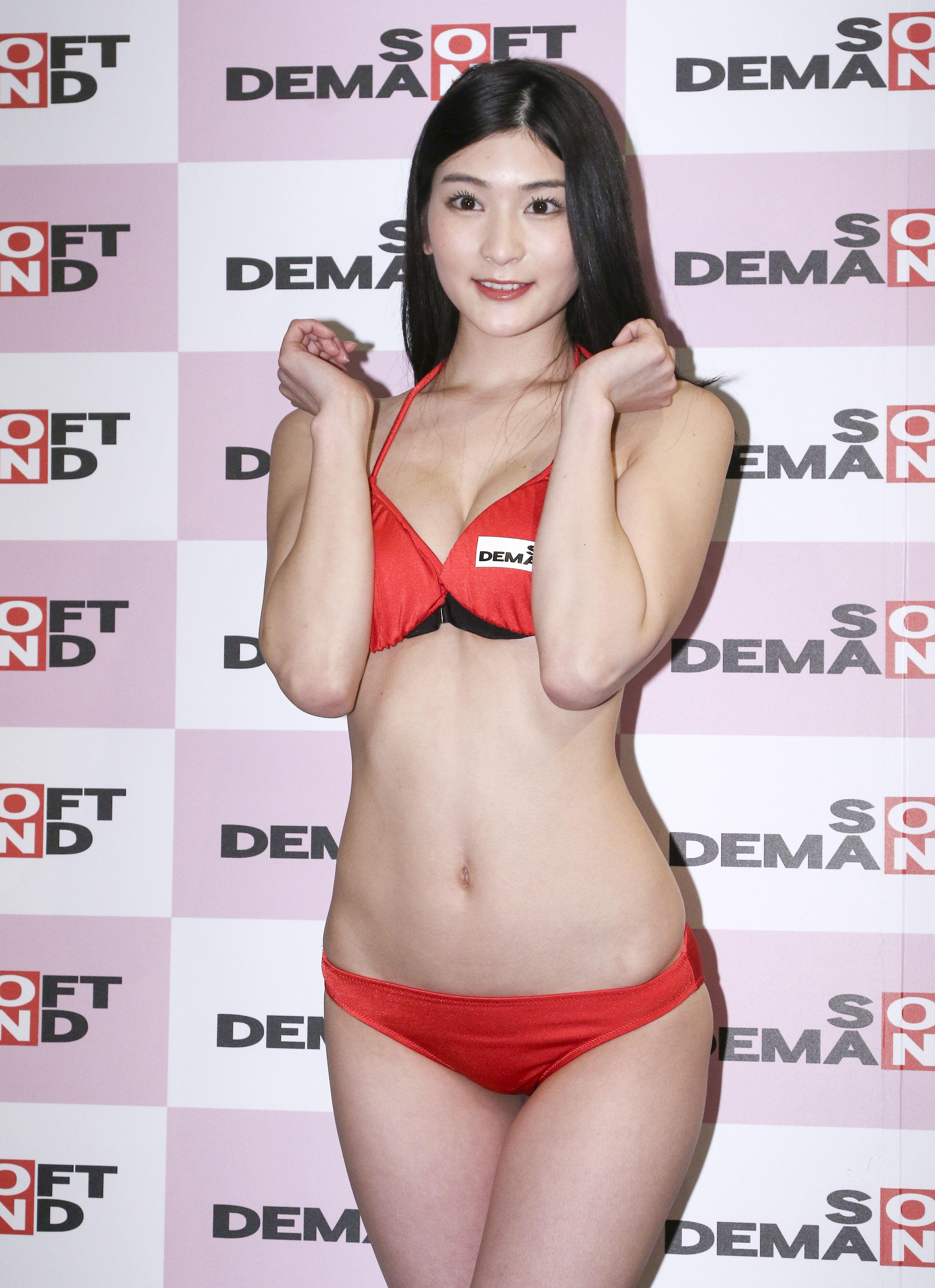 日本SOD人氣新人AV女優本庄鈴現身台北宣傳新片發布會(記者林士傑/攝影)