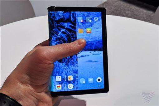 折疊手機,柔宇科技,CES 2019,FlexPai,柔派,The Verge,IT之家