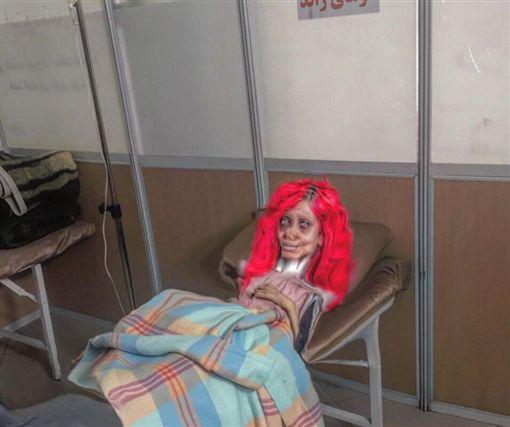 塔巴爾(Sahar Tabar),喪屍版裘莉,安潔莉娜裘莉(圖/翻攝自推特)