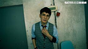 金曲客語歌王羅文裕推出全創作國語專輯《社會大學》。(圖/上行娛樂)