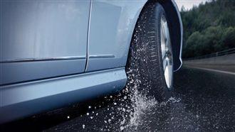 防禦駕駛 雨天開車注意事項
