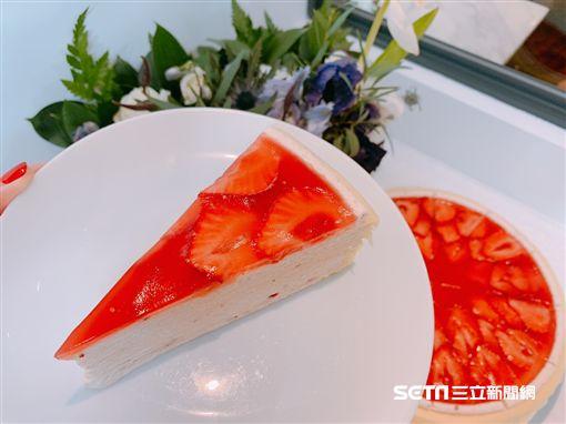 草莓季,千層蛋糕。(圖/記者馮珮汶攝)