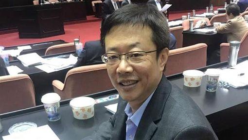 張宏陸,壽星,總預算案,立法院 圖/翻攝自臉書