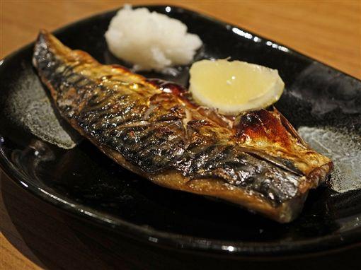 烤雞腿,烤肉,食物,烤魚,鯖魚,燒焦(圖/翻攝自PIXABAY)
