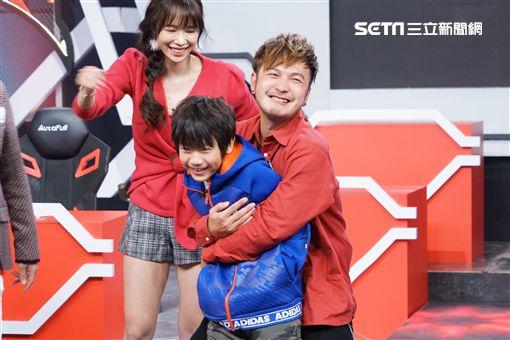 王仁甫、兒子YAYA、《FIVE鬪!龍虎門》圖/狼谷競技台提供