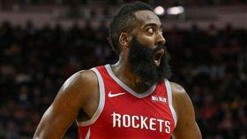 NBA/公鹿出怪招 逼出哈登9失誤 NBA,休士頓火箭,James Harden 翻攝自推特