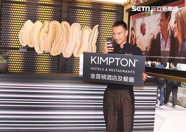王陽明出席亞洲首間快閃酒店開幕,暢談寵妻秘訣。(記者邱榮吉/攝影)