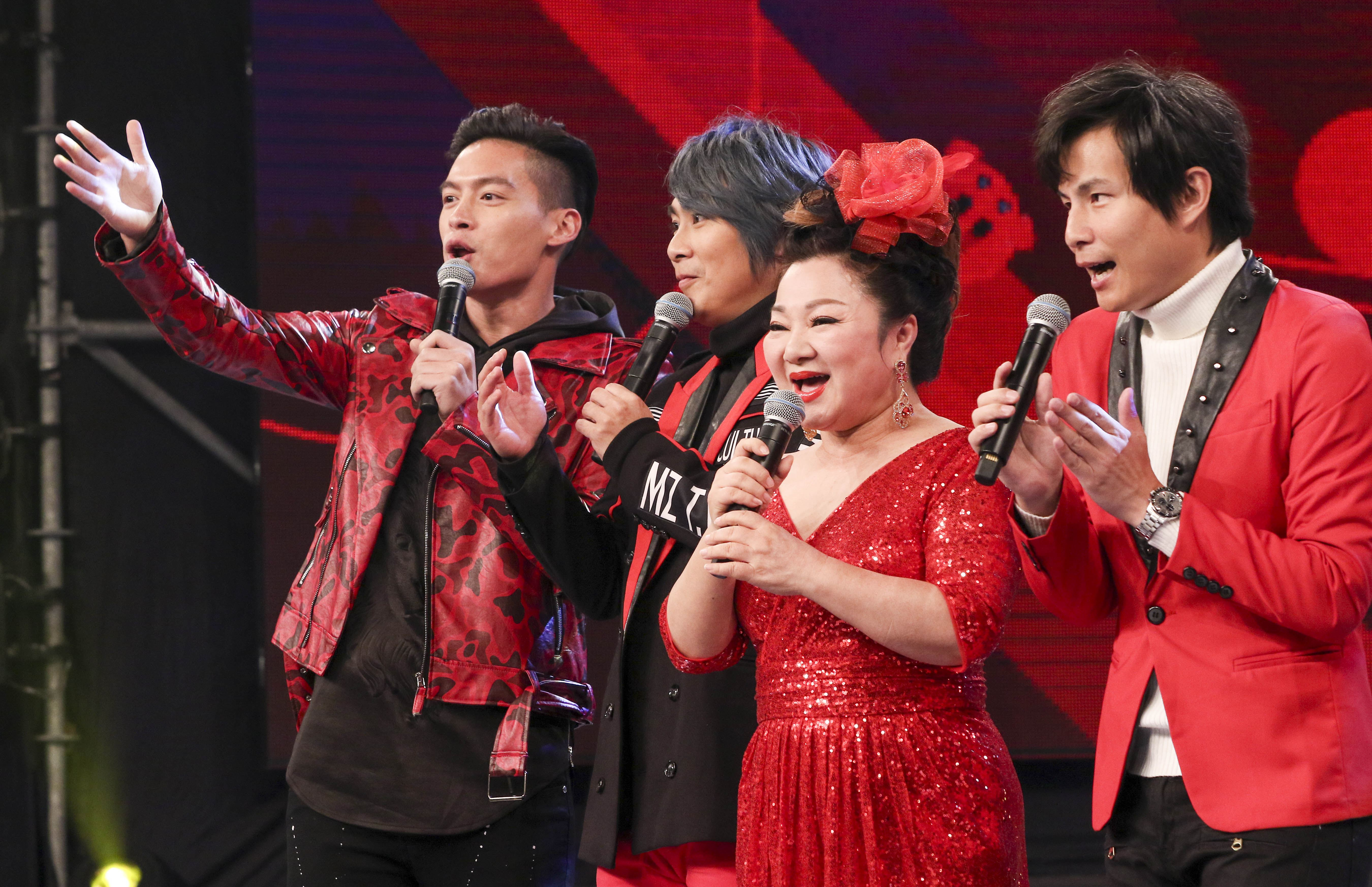 2019超級華人風雲大賞,許孟哲、王仁甫、白冰冰、孫協志擔任紅隊主持。(記者林士傑/攝影)
