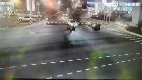 新北市,泰山,死亡車禍,搶快,闖紅燈