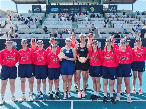 ▲詹詠然(左)與妹妹詹皓晴已聯手奪下11座WTA冠軍。(圖/劉雪貞提供)