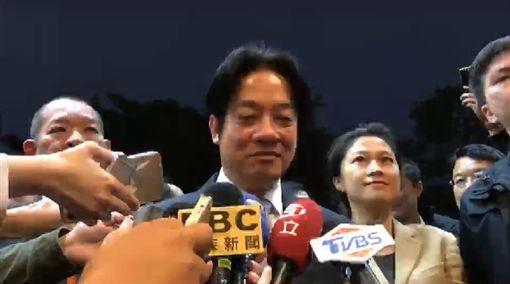 行政院長賴清德今12日傍晚,包場請媒體記者看電影,觀賞「後勁:王建民」這部電影。