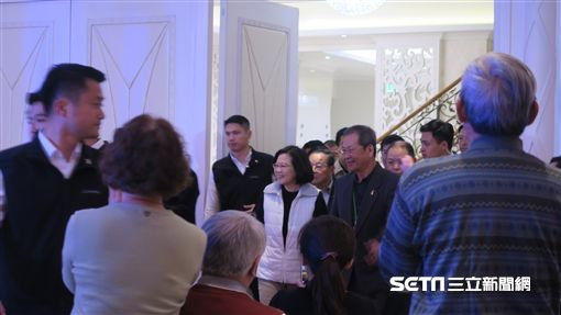 蔡英文總統13日出席「小英志工團尾牙餐會」。(圖/記者盧素梅攝)