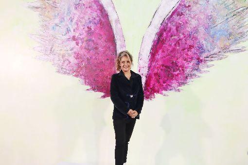 天使之翼全球計畫 第60站落腳花蓮美國藝術家科萊特.米勒(Colette Miller)啟動「天使之翼全球計畫」,所到之處皆成人氣打卡景點,全球第60站選擇落腳花蓮台創新天堂樂園,特別設計「I love HL(花蓮)」的翅膀圖樣,13日正式揭幕。中央社記者李先鳳攝 108年1月13日