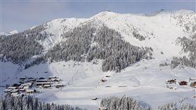 奧地利警方今(13)日表示,滑雪勝地萊西(Lech am Arlberg)一帶近日發生雪崩,造成來自德國的3名滑雪客身亡、另有一名同行者失蹤。(圖/翻攝自Lech Zürs am Arlberg臉書)