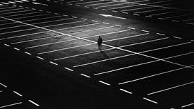 停車場 圖/翻攝自pixabay https://pixabay.com/photo-1487891/