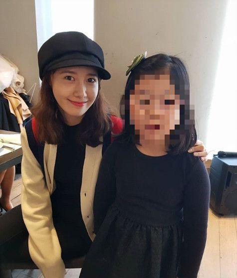 潤娥與朋友小孩。(圖/翻攝自rinsan_1990 IG)