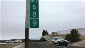 美國,華盛頓,公路,號誌牌,大麻,69,420,設計,交通局,小偷 圖/翻攝自推特