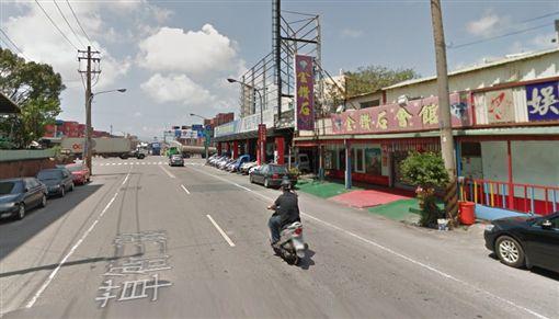 高雄前鎮一家卡拉ok店前發生惡煞砍酒客事件。(圖/翻攝Google Map)