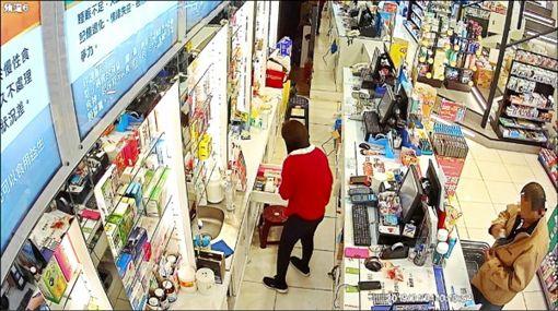 高雄,威而鋼,竊盜,連鎖藥局,台製,美製。翻攝畫面 ID-1735942