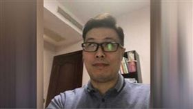 上海維權人士季孝龍參與廁所革命遭判刑3年半。(圖/翻攝自RFA)
