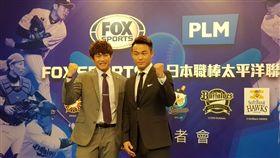 ▲陳冠宇和王柏融互相勉勵期待新球季一起在一軍出賽。(圖/記者劉彥池攝)