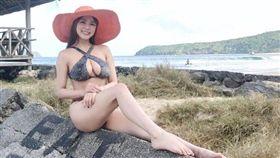 韓媒「격한공감TV」介紹美胸女神熊熊,還以「韓國罕見的胸型」為題。(圖/翻攝自熊熊粉絲團)