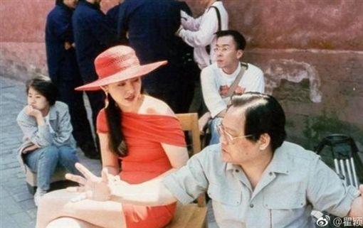 29年前豔照出土!王祖賢故宮扮夢露 後面小咖竟是「她」(圖/翻攝自瞿穎微博)