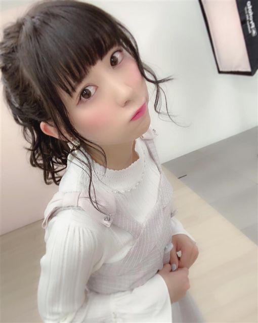 日本正妹YouTuber遭流出 女上狂搖還自己掌鏡 圖/翻攝自IG