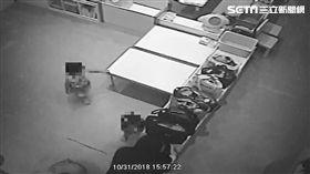 台中五星級托嬰中心師把童綁椅、虐童/翻攝畫面