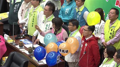 韓國瑜赴高雄市議會備詢處女秀,民進黨團質詢,新聞台