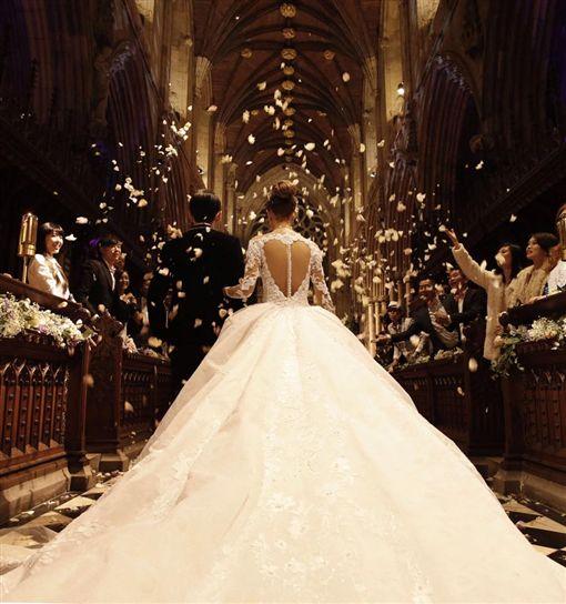 昆凌、周杰倫、英國古堡結婚/周杰倫臉書