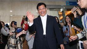 林佳龍與媒體會面  說明未來施政方向新任交通部長林佳龍(前中)14日在交通部與媒體會面,說明施政方向與未來政策。中央社記者鄭傑文攝 108年1月14日