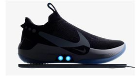 Nike,籃球鞋,自動,LED燈,綁鞋帶(圖/翻攝自Nike官網)