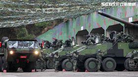 陸軍實施反擊再戰整備演練,M60A3主戰車及雲豹甲車立即油彈整補,然後再次投入戰場。(記者邱榮吉/台中拍攝)