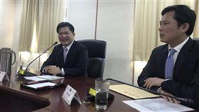▲時代力量立委拜會交通部長林佳龍。(圖/黃國昌辦公室提供)