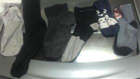 洗衣機愛吃襪子!「6雙不同款式」全剩一隻腳(圖/翻攝自爆廢工社)
