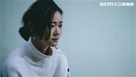 鍾瑶因林子閎落海遇難傷心痛哭。(圖/東森提供)