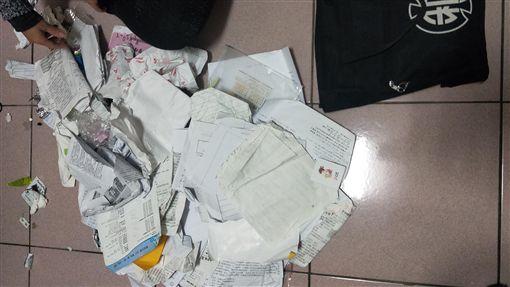 兒子書包裝滿垃圾/爆怨公社