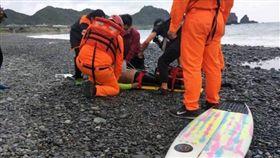 台東,蘭嶼,衝浪,溺斃,礁石(圖/翻攝畫面)