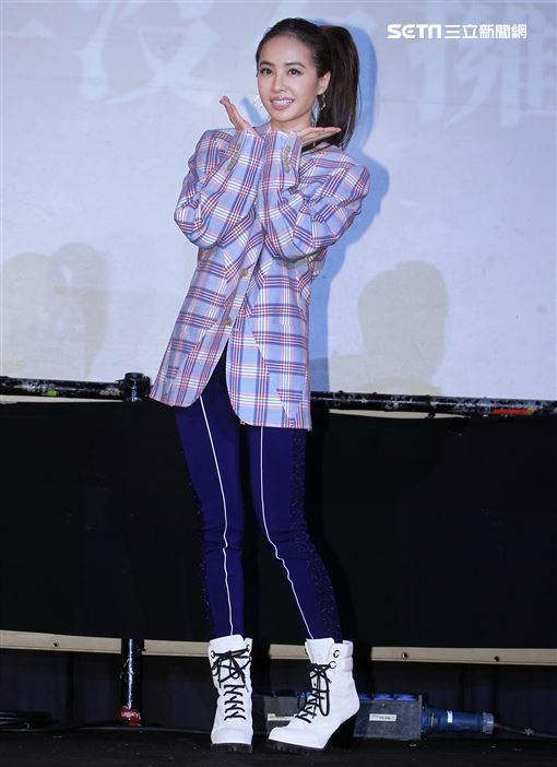 Jolin蔡依林「Ugly Beauty」專輯簽名握手沒有擁抱會。(記者邱榮吉/攝影)