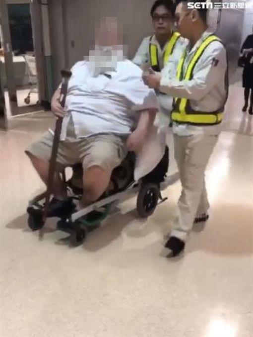 噁心老外,空姐,地勤,輪椅,擦屁股,長相曝光